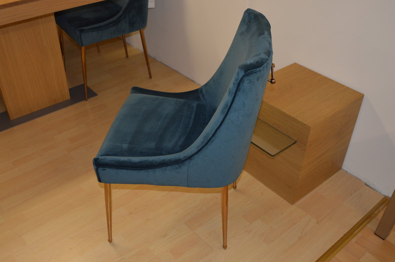Dining-Chair-in-Blue-Velvet-with-Rose-Legs