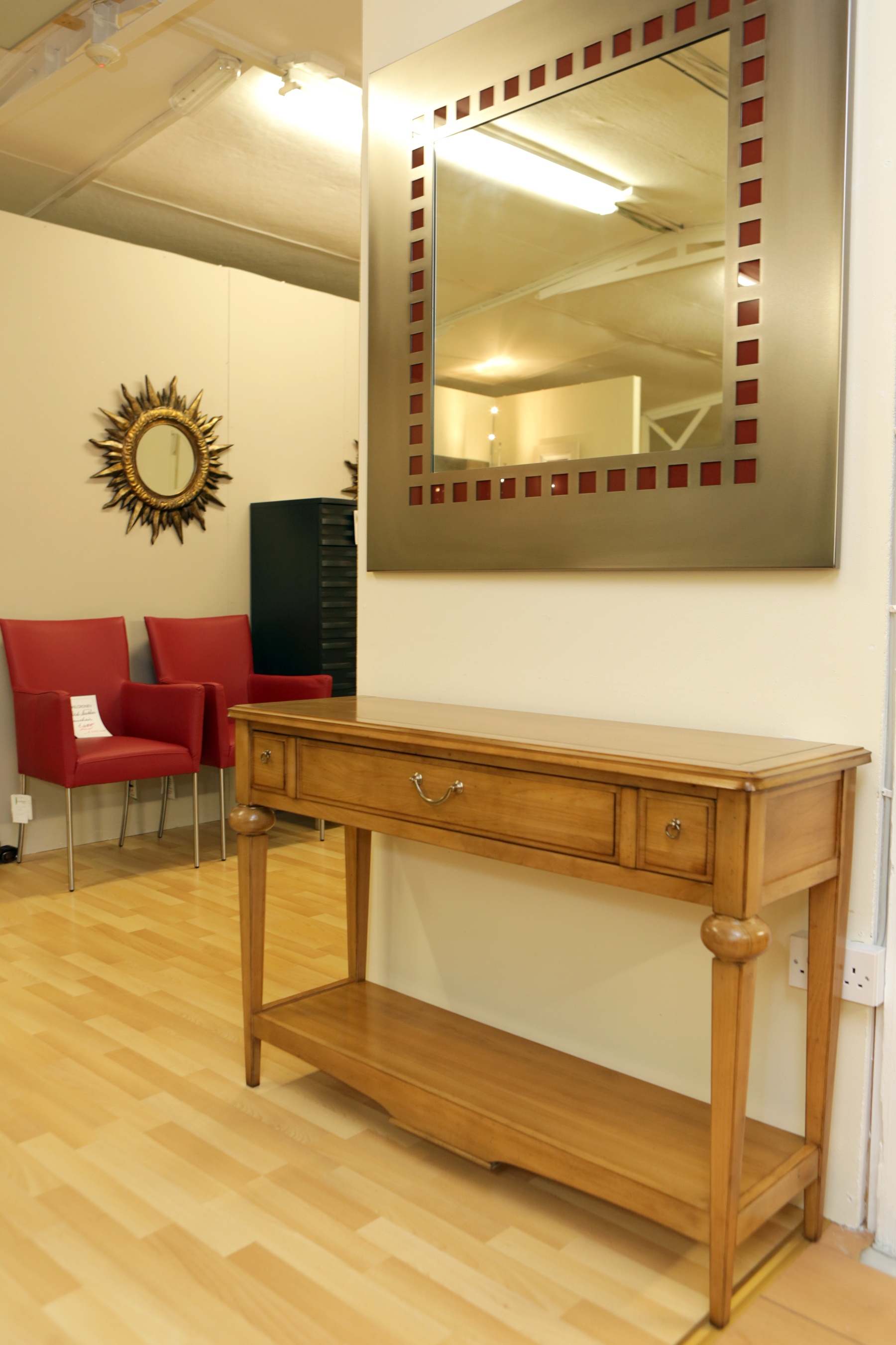 Charmant Solid Cherrywood Console Table