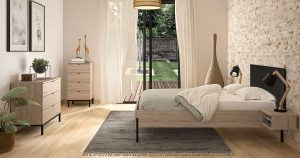 KILCRONEY_FURNITURE_BEDROOM_Castle-bed-with-chest-of-drawers
