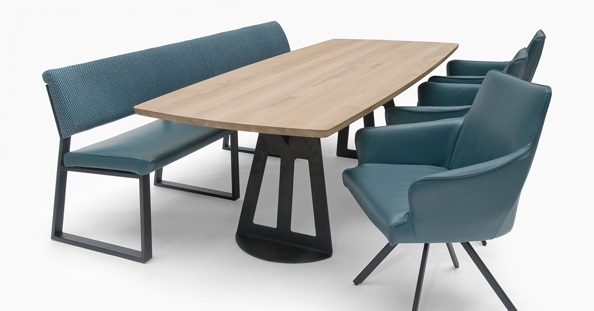 KILCRONEY_FURNITURE_DINING_Bree's-New-World-Simson-Dining-Table
