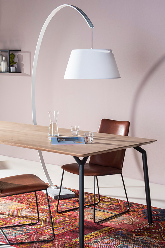 Table & Chairs with a lamp